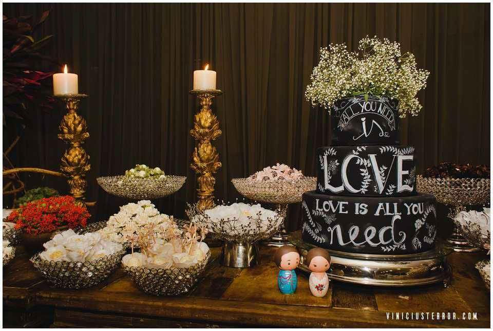 mesa-de-bolo-diferente-para-casamentos
