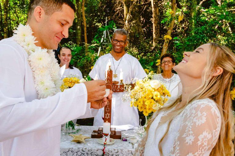 cerimonia de casamento umbandista na floresta