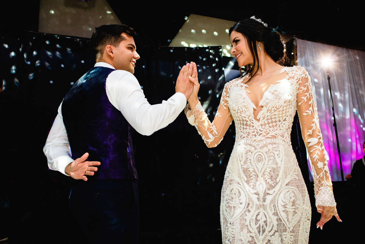 primeira dança dos noivos fotos espontaneas casamento